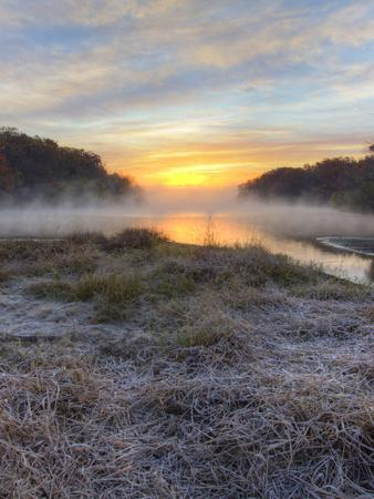 https://imgc.allpostersimages.com/img/posters/lake-jacomo-at-sunset-fleming-park-kansas-city-missouri-usa_u-L-PN6V940.jpg?p=0