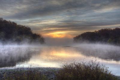https://imgc.allpostersimages.com/img/posters/lake-jacomo-at-sunset-fleming-park-kansas-city-missouri-usa_u-L-PXR7XN0.jpg?p=0