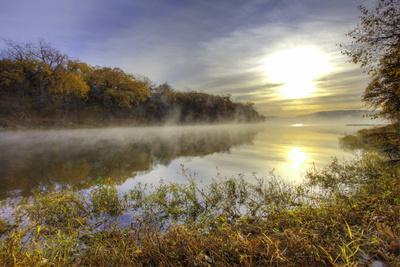 https://imgc.allpostersimages.com/img/posters/lake-jacomo-at-sunset-fleming-park-kansas-city-missouri-usa_u-L-PXR81A0.jpg?artPerspective=n