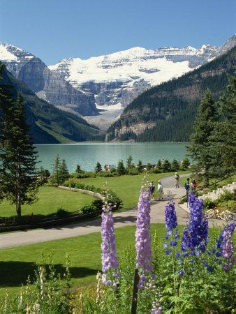 https://imgc.allpostersimages.com/img/posters/lake-louise-banff-national-park-unesco-world-heritage-site-rocky-mountains-alberta-canada_u-L-PXUKGS0.jpg?p=0