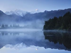 Lake Matheson, Mount Tasman and Mount Cook, Westland Tai Poutini National Park, New Zealand