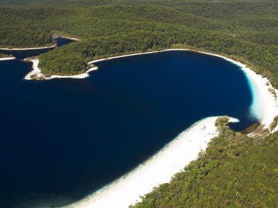 https://imgc.allpostersimages.com/img/posters/lake-mckenzie-fraser-island-queensland-australia_u-L-P2T4M20.jpg?p=0