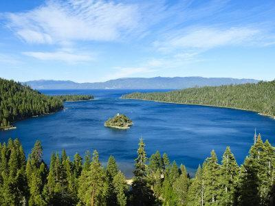 https://imgc.allpostersimages.com/img/posters/lake-tahoe-vista-california-united-states-of-america-north-america_u-L-P91XQN0.jpg?artPerspective=n