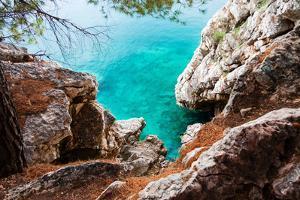 Blue Sea and Rocks by Lamarinx