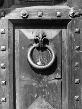 https://imgc.allpostersimages.com/img/posters/lambeth-doorknocker_u-L-Q107JI50.jpg?p=0