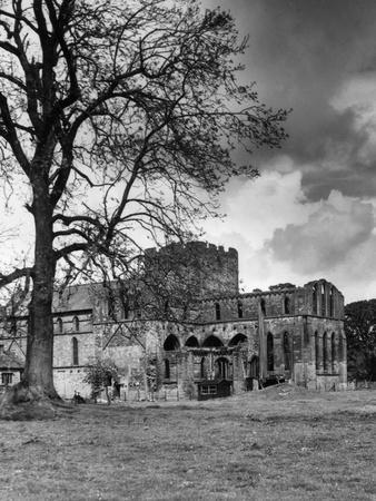 https://imgc.allpostersimages.com/img/posters/lanercost-abbey_u-L-Q107HNW0.jpg?p=0