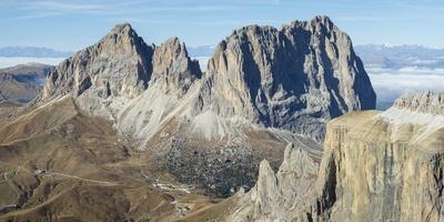https://imgc.allpostersimages.com/img/posters/langkofel-sassolungo-seen-from-sella-mountain-range-gruppo-del-sella-in-the-dolomites_u-L-Q1H23IO0.jpg?artPerspective=n