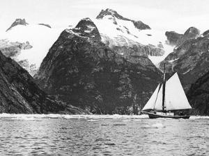 Alaska View - Sailing Along Coast Glacier Views Photograph by Lantern Press