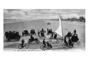 Daytona Beach, Florida - Crowds on Bicycles and in Cars by Lantern Press