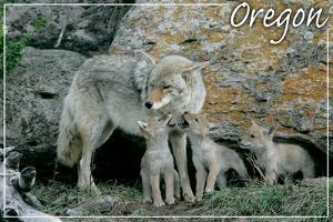 Monmouth, Oregon - Wolf and Pups by Lantern Press