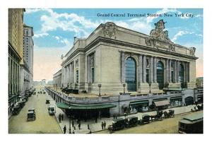 New York City, New York - Exterior View of Grand Central by Lantern Press