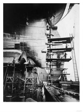 Ship Construction in Germany Photograph - Hamburg, Germany by Lantern Press