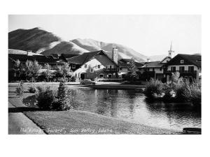 Sun Valley, Idaho - Village Square Scene by Lantern Press