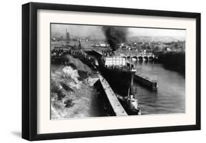 World Famous Ballard Canal Locks in Seattle, WA Photograph - Seattle, WA by Lantern Press