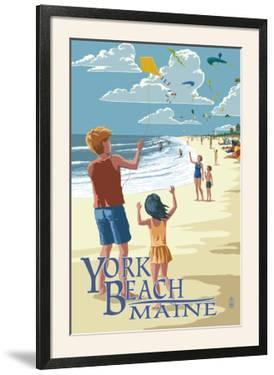 York Beach, Maine - Children with Kites by Lantern Press