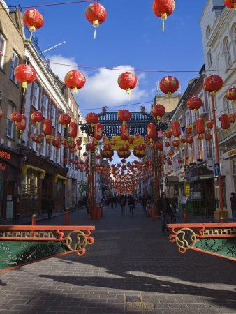 https://imgc.allpostersimages.com/img/posters/lanterns-decorate-gerrard-street-soho-during-chinese-new-year-celebrations-chinatown-london_u-L-P7NWG00.jpg?artPerspective=n