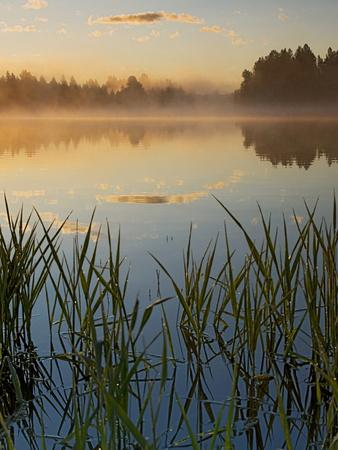 https://imgc.allpostersimages.com/img/posters/lapwai-lake-at-sunrise-winchester-lake-state-park-idaho-usa_u-L-PN70NB0.jpg?p=0
