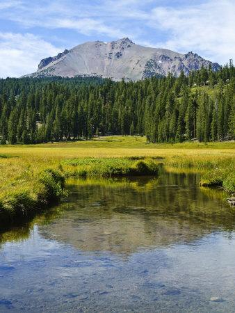 https://imgc.allpostersimages.com/img/posters/lassen-volcanic-national-park-california-united-states-of-america-north-america_u-L-P91XSF0.jpg?p=0