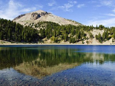 https://imgc.allpostersimages.com/img/posters/lassen-volcanic-national-park-california-united-states-of-america-north-america_u-L-P91XTB0.jpg?p=0