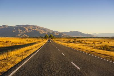 https://imgc.allpostersimages.com/img/posters/late-afternoon-on-the-highway-on-the-way-to-twizel-south-island-new-zealand-pacific_u-L-PQ8MHZ0.jpg?p=0