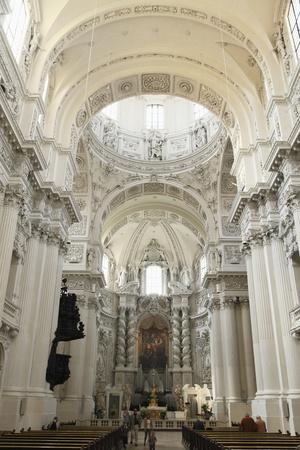 https://imgc.allpostersimages.com/img/posters/late-baroque-style-altar_u-L-PNFXEP0.jpg?artPerspective=n