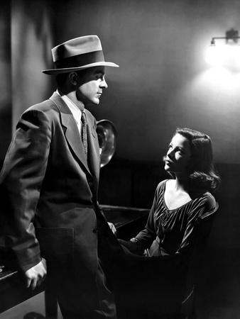 https://imgc.allpostersimages.com/img/posters/laura-1944-directed-by-otto-preminger-dana-andrews-and-gene-tierney-during-the-interrogation-scene_u-L-Q1C1FR90.jpg?artPerspective=n