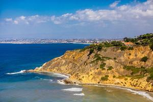 View of Cliffs in Rancho Palos Verdes, California, USA by Laura Grier