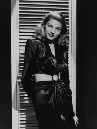 https://imgc.allpostersimages.com/img/posters/lauren-bacall-to-have-and-have-not-1944-directed-by-howard-hawks_u-L-Q10T91N0.jpg?p=0