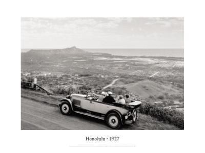 Honolulu, 1927 by Laurence Hata