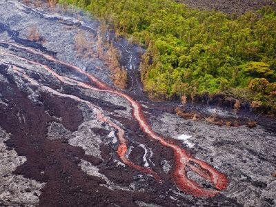 https://imgc.allpostersimages.com/img/posters/lava-flowing-from-kilauea-volcano-hawaii-volcanoes-national-park-the-big-island-hawaii_u-L-P91XU70.jpg?p=0