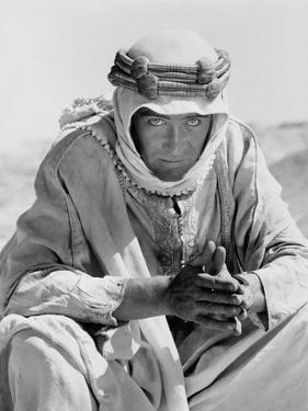 Lawrence d'Arabie LAWRENCE OF ARABIA by DavidLean with Peter O'Toole, 1962 (b/w photo)
