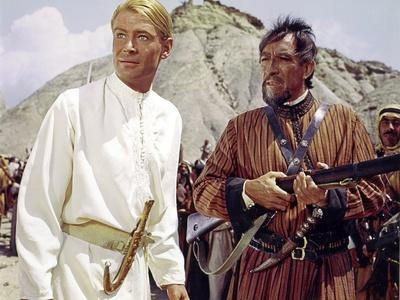 https://imgc.allpostersimages.com/img/posters/lawrence-of-arabia-1962-directed-by-david-lean-peter-o-toole-anthony-quinn-photo_u-L-Q1C13K30.jpg?artPerspective=n