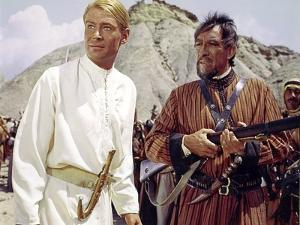LAWRENCE OF ARABIA, 1962 directed by DAVID LEAN Peter O'Toole / Anthony Quinn (photo)