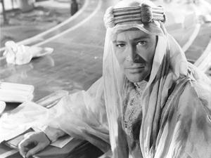 LAWRENCE OF ARABIA, 1962 directed by DAVID LEAN Peter O'Toole (b/w photo)