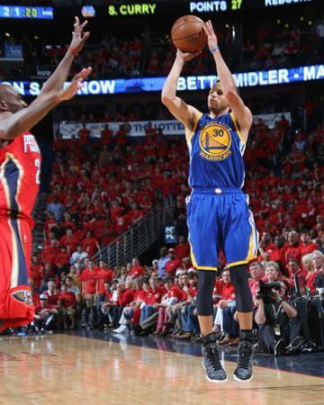 Golden State Warriors v New Orleans Pelicans - Game Three by Layne Murdoch Jr