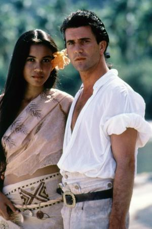 https://imgc.allpostersimages.com/img/posters/le-bounty-by-roger-donaldson-with-wi-kuki-kaa-and-mel-gibson-1984-photo_u-L-Q1C1XC30.jpg?artPerspective=n