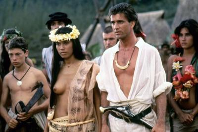 https://imgc.allpostersimages.com/img/posters/le-bounty-by-roger-donaldson-with-wi-kuki-kaa-and-mel-gibson-1984-photo_u-L-Q1C1Y5Y0.jpg?artPerspective=n