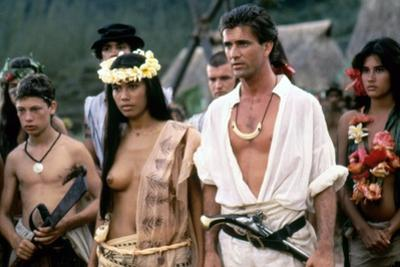 Le Bounty by Roger Donaldson with Wi Kuki Kaa and Mel Gibson, 1984 (photo)