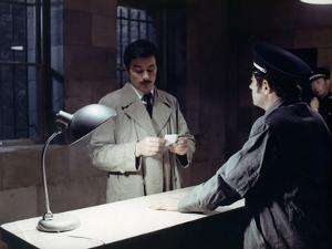 LE CERCLE ROUGE, 1970 directed by JEAN-PIERRE MELVILLE Alain Delon (photo)
