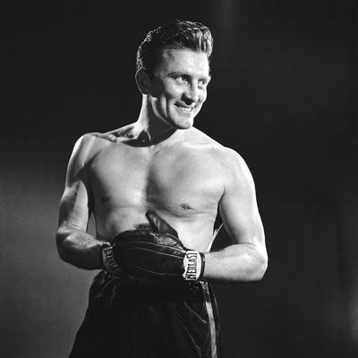 https://imgc.allpostersimages.com/img/posters/le-champion-champion-by-mark-robson-with-kirk-douglas-1949-b-w-photo_u-L-Q1C3XG90.jpg?artPerspective=n