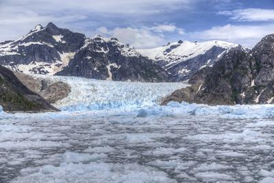 https://imgc.allpostersimages.com/img/posters/le-conte-glacier-alaska-petersburg-usa_u-L-Q1D0IJY0.jpg?p=0