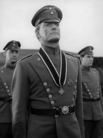 https://imgc.allpostersimages.com/img/posters/le-crepuscule-des-aigles-the-blue-max-by-johnguillermin-with-jeremy-kemp-1966-b-w-photo_u-L-Q1C255E0.jpg?artPerspective=n