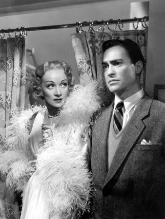https://imgc.allpostersimages.com/img/posters/le-grand-alibi-stage-fright-by-alfred-hitchcock-with-marlene-dietrich-richard-todd-1950-costumes_u-L-Q1C1PU50.jpg?artPerspective=n