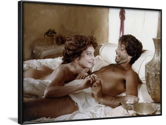 Le larron (IL LADRONE) by Pasquale Festa Campanile with Bernadette Lafont and Enrico Montesano, 198--Framed Photo