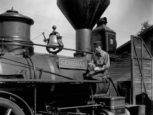 Le mecano by la General THE GENERAL by and with Buster Keaton, 1927 (b/w photo)