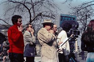 Le realisateur Jean Pierre Melville sur le tournage du film L' armee des Ombres en, 1969 (d'apres J