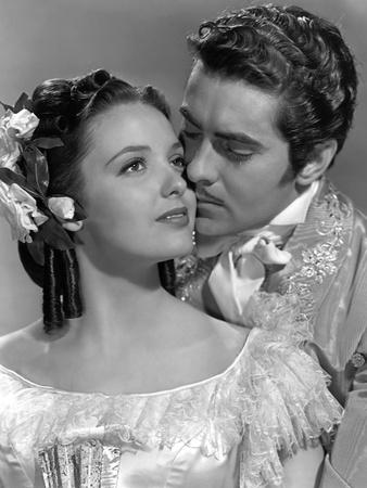 https://imgc.allpostersimages.com/img/posters/le-signe-by-zorro-mark-of-zorro-by-roubenmamoulian-with-linda-darnell-and-tyrone-power-1940-b-w-p_u-L-Q1C2C110.jpg?artPerspective=n