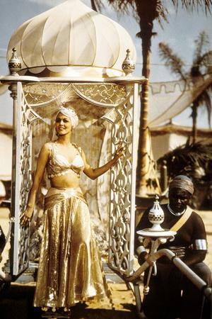 https://imgc.allpostersimages.com/img/posters/le-telefilm-arabian-nights-de-steve-barron-avec-maria-montez-dans-le-role-de-sheherazade-1942_u-L-PWGIZZ0.jpg?artPerspective=n