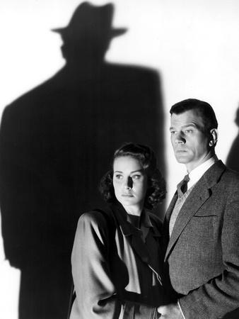 https://imgc.allpostersimages.com/img/posters/le-troisieme-homme-the-third-man-by-carol-reed-with-alida-valli-and-joseph-cotten-1949-b-w-photo_u-L-Q1C2EXC0.jpg?artPerspective=n