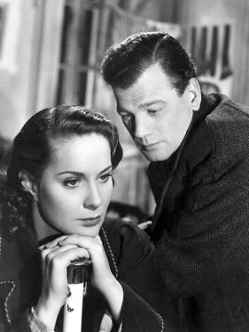 Le Troisieme Homme THE THIRD MAN by Carol Reed with Alida Valli and Joseph Cotten, 1949 (b/w photo)